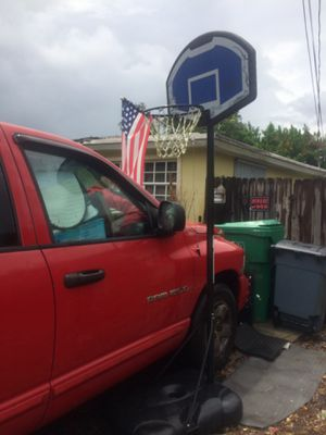 Basketball stand and hoop for Sale in Sunrise, FL