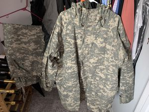 Gortex Suit (Jacket and Pants) for Sale in Clermont, FL