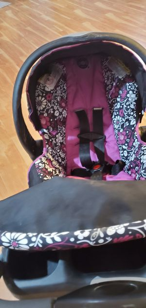 Baby carseat and stroller for Sale in Woodbridge, VA