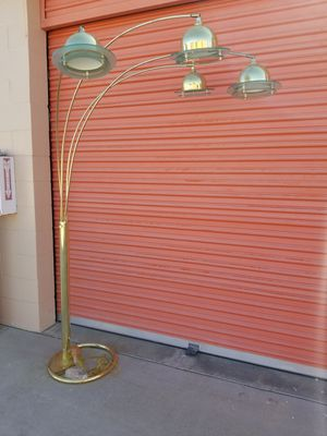 Floor lamp for Sale in Huntington Beach, CA