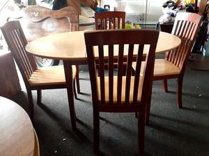 Table and chairs for Sale in Modesto, CA