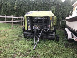 Claas rollant 355 uniwrap bailer hay ,farm equipment, tractor for Sale in Auburn, WA