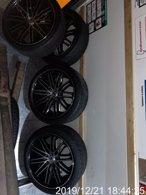 "20"" Asanti black Rims with almost brand new tires and a spare of tire brand new for Sale in Haines City, FL"