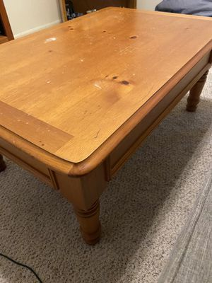 """Free Pine coffee table-40""""x 27"""" for Sale in Brandon, FL"""