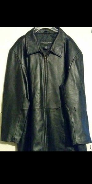 XL - Like NEW - 3/4 Leather Jacket ***Men or Womens*** Super Soft Never Worn for Sale in Cincinnati, OH