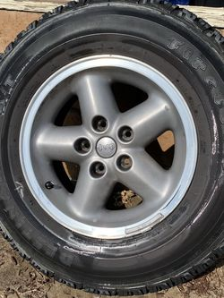 Stock Jeep Wrangler rims and tires for Sale in Ontario,  CA