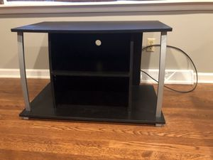 TV stand 36w x 18.5d x 22h for Sale in Columbus, OH