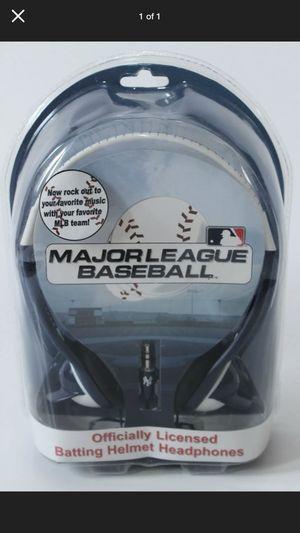 2009-Major League Baseball-New York Yankees Batting Helmet Headphones. for Sale in West Islip, NY