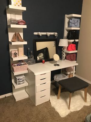 ONLY vanity lights and mirrors for Sale in Miami, FL