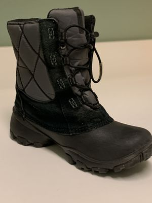 Kids Columbia size 3 snow boots (only worn a few times) for Sale in San Clemente, CA