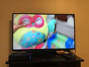 TV TCL ROKU 4k 43in smart tv for Sale in Lynn, MA