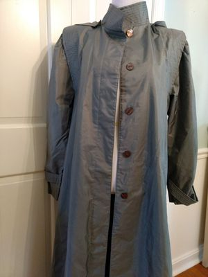 """Raincoat for women, dark-green, size 8, by """"J. Gallery"""". for Sale in Falls Church, VA"""