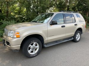 FORD EXPLORER XLT -4x4 - 3 Row Seats for Sale in Glastonbury, CT