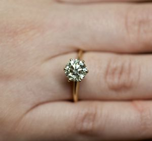 2.02 ct diamond engagement ring! 100% natural and certified! for Sale in Tampa, FL