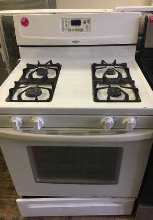 Whirlpool white gas stove for Sale in Cleveland, OH