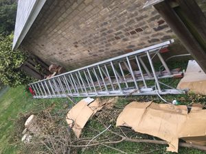Ladder 36 ft heavy duty good for peoples working roofs or siding for Sale in Alexandria, VA