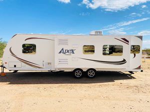 2014 coachman apex 28 foot travel trailer was super slide out - $15,200 (Immaculate condition everything works perfect Always garage) for Sale in Surprise, AZ