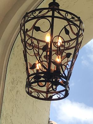 Entry way chandleir light for Sale in Boca Raton, FL