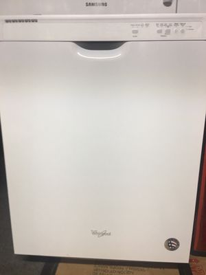 White whirlpool dishwasher for Sale in Valencia, CA