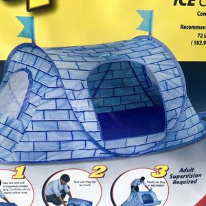 Kid's Pop Up Foldable Ice Castle Tent (BRAND NEW) for Sale in Long Beach, CA