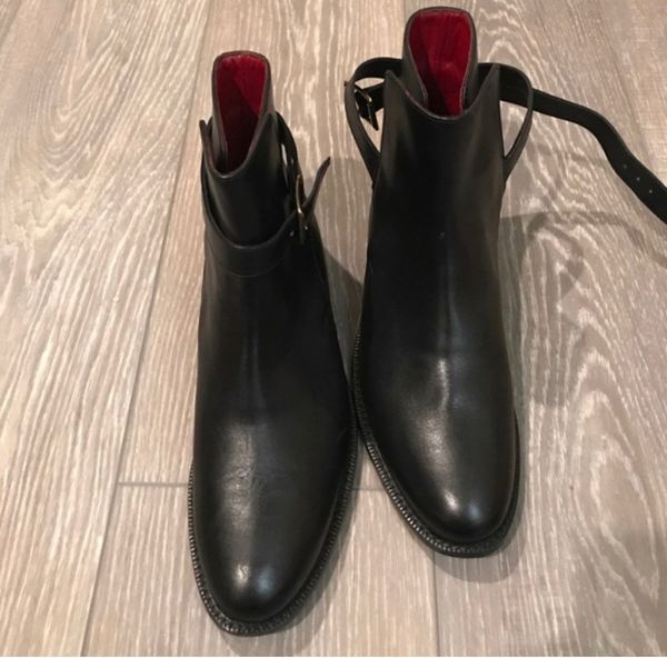 Authentic Womens Burberry boots, black leather size 9.5