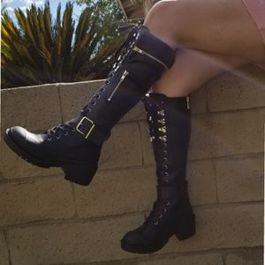CHUNKY PLATFORM MID CALF FAUX LEATHER BOOTS for Sale in Ontario, CA