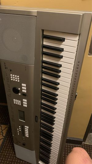 Yamaha YPG-235 piano for Sale in Chicago, IL