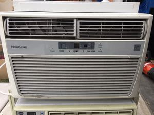 Air conditioner works great 👍🏼 for Sale in Los Angeles, CA
