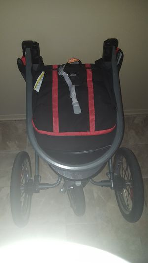 Car seat stroller system with 3 bases for Sale in Detroit, MI