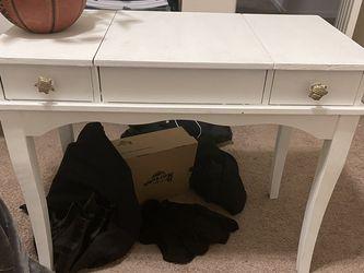 Vanity/desk Repainted for Sale in Hillsboro,  OR