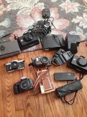 Cameras for sell!! for Sale in FAIRMOUNT HGT, MD
