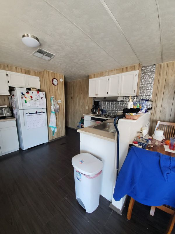 1 bedroom 1 bath 14x52 1977 single wide mobile home for