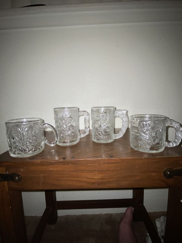 MIX LOT OF 12 VINTAGE CRYSTAL /WINE GLASSWARE CUPS!