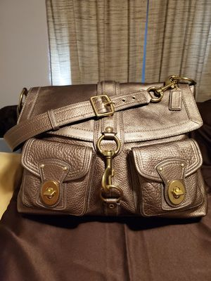 Coach gold pebbled leather XL messenger bag/purse for Sale in Gretna, LA