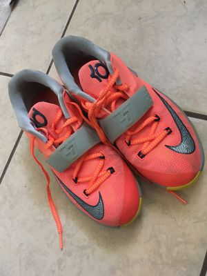 Nike kds 5.5Y for Sale in Lake Alfred, FL