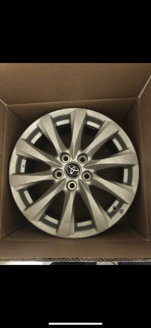 2018 camry 17' Inch stock rims for Sale in Las Vegas, NV