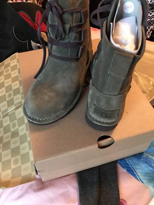 New ugg boots for Sale in Oxnard, CA