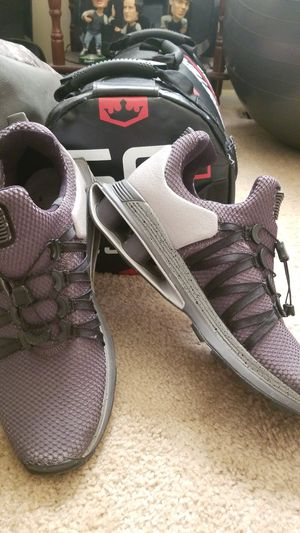 Nike Shox size 10.5 for Sale in Aurora, IL