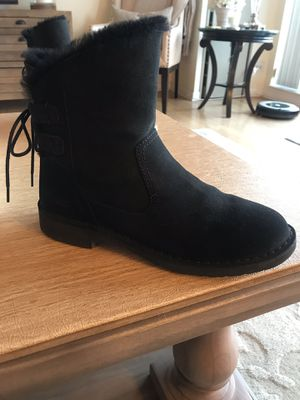 UGG UGG Naiyah Lace-Back Genuine Shearling Boot for Sale in Chicago, IL