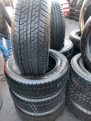 Set of semi new 275/60/18 dunlop for Sale in Pico Rivera, CA