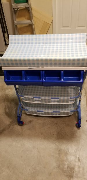 Baby bath tub with changing table and storage for Sale in Miami, FL