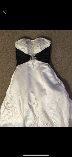Wedding dress for Sale in Wichita, KS