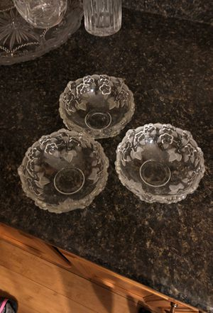Set of 3 - beautiful dessert/salad bowls for Sale in Marquette, MI