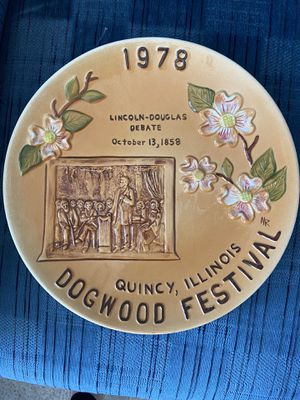 Quincy Dogwood Commemorate Plate for Sale in Quincy, IL
