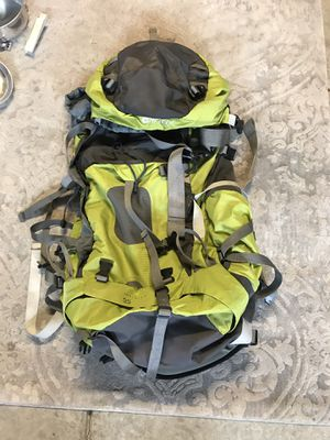 Hi-Tec hiking backpack for Sale in Acampo, CA
