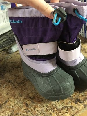 Columbia snow boots toddler girl 7size for Sale in Woonsocket, RI