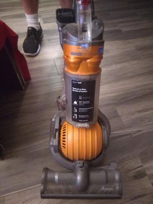 Dyson Ball vacuum for Sale in Chandler, AZ