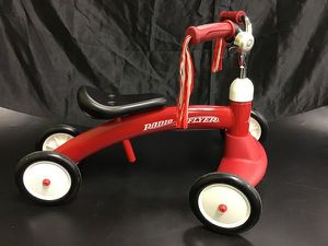 Radio Flyer Scoot About Ride-on red Kids bike for Sale in Philadelphia, PA