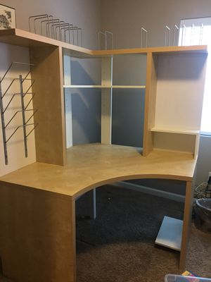 Beautiful corner desk in great shape! FREE!!! for Sale in Olympia, WA