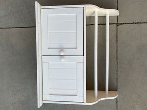 White Wood Shelf with Cabinet for Sale in Temecula, CA